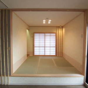 神戸市東灘区、高齢なご夫婦の方でしたので畳のある和室をリビングの横に設けました。