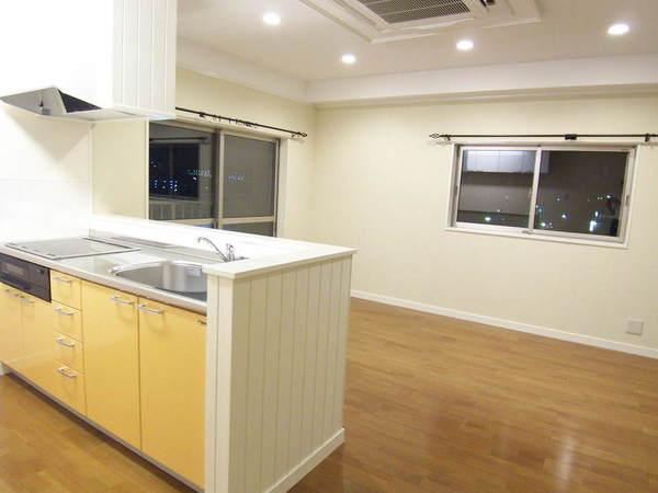 I型キッチンにカウンターを造り付けることでコストを下げるご提案をしました。のサムネイル