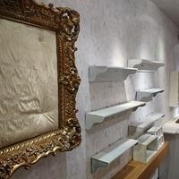 店舗・ディスプレイ、ウッド調の床材や大工さんお手製のカウンターや棚などを追加のサムネイル
